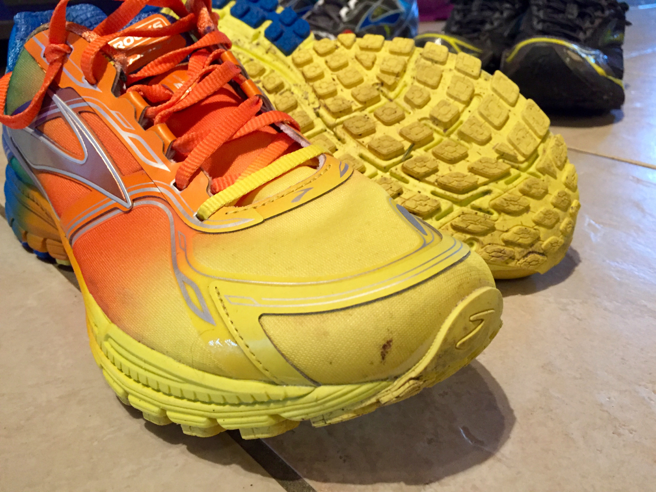 Brooks Ghost 8 Aurora