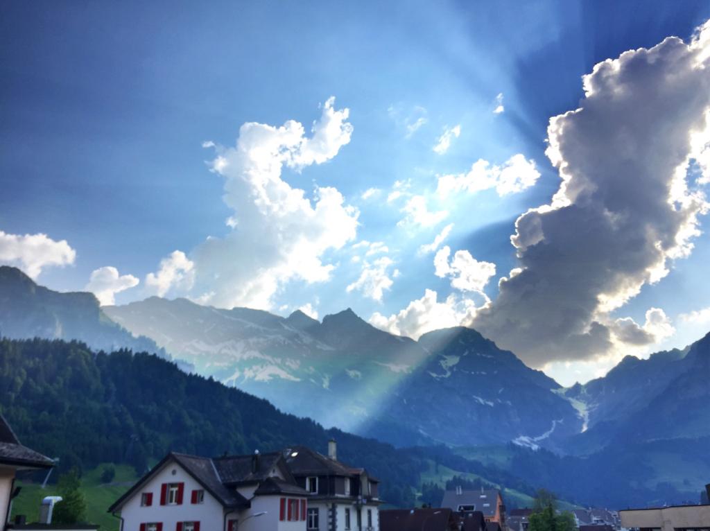 Traumhafte Berge, erhebende Stimmung